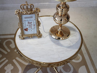 China Factory Volakas White Marble Top Round Table With Copper Plating Table Legs